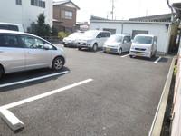 駐車場:駐車スペース