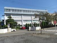 周辺環境:寺尾中学校(1000m)