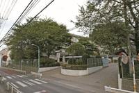 周辺環境:高階中学校(650m)